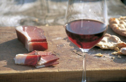 The Bacon Festival in Funes – hospitality, conviviality and culinary delights
